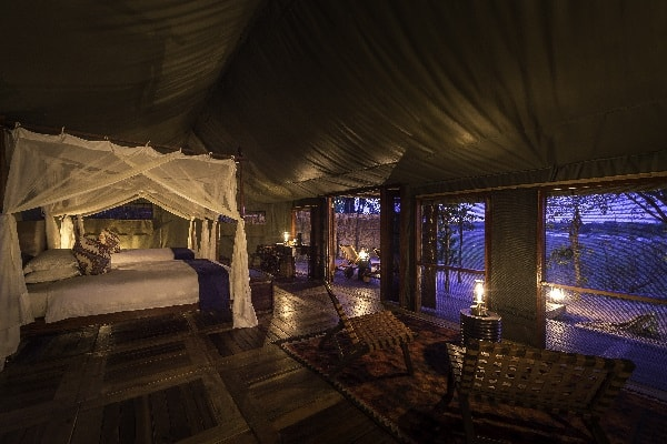 zungulila-room-interior-south-luangwa-zambia